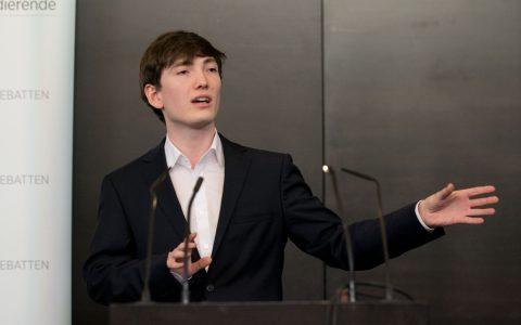 Lennart Lokstein, VDCH-geprüfter Debattiertrainer
